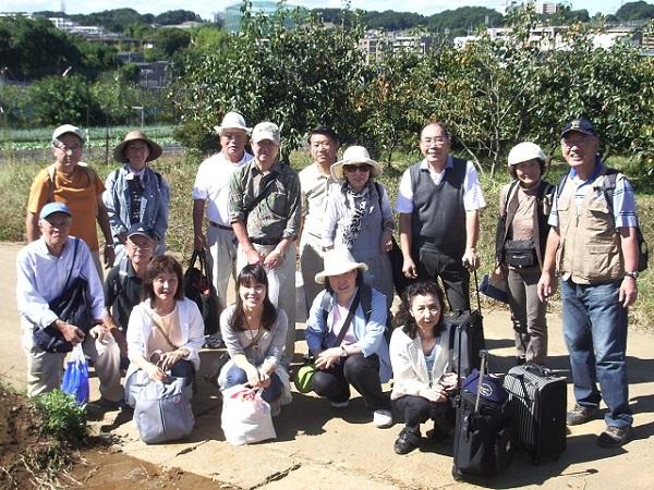 川崎支部・秋のイベント芋ほり(2011年10月11日)